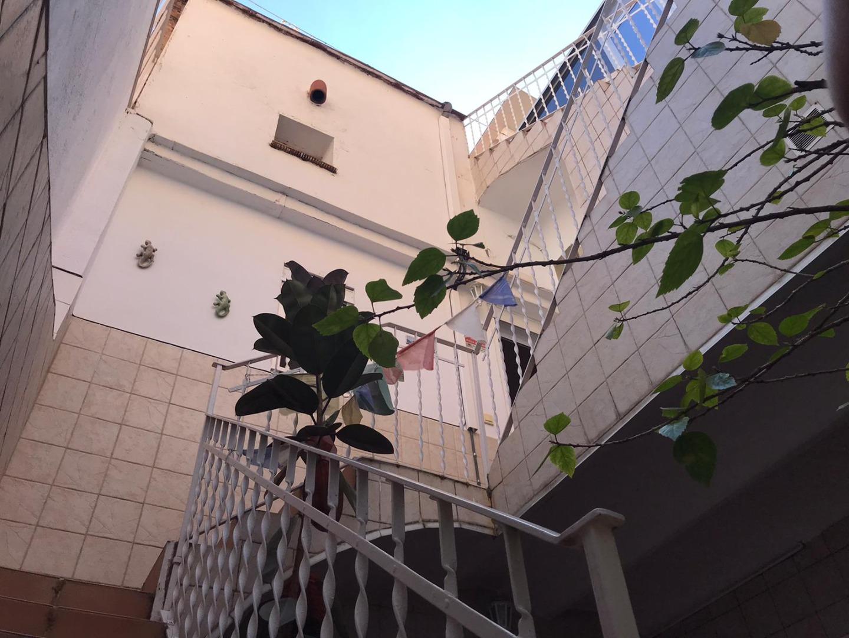 Casa  Carrer de sant antoni maria claret. Casa / 5 habitaciones / 50 m²