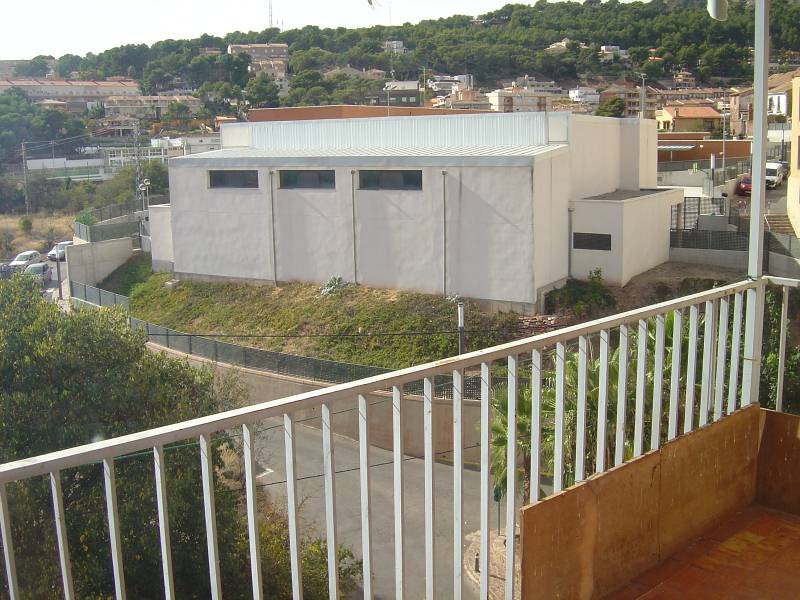 Etagenwohnung  Serra. Vivienda (piso) en valencia – serra – pueblo en venta por 45.000