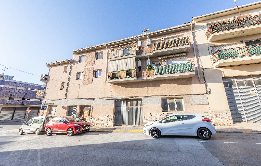 Car parking  Calle montsec. Parking coche en venta en guissona, lleida