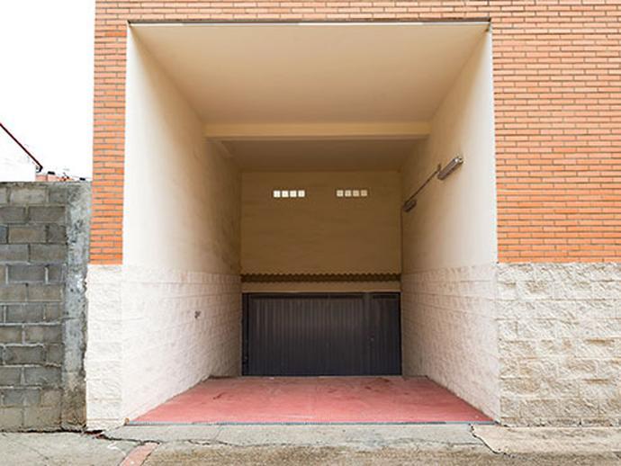 Foto 3 von Garage zum verkauf in Joaquin Costa La Puebla de Alfindén, Zaragoza