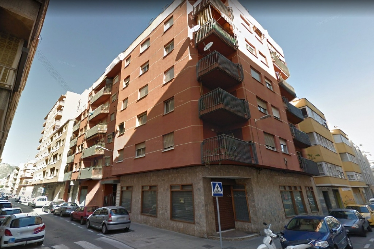 Entrepôt  Calle castello de les gerres. Almacén en venta en gandia, valencia