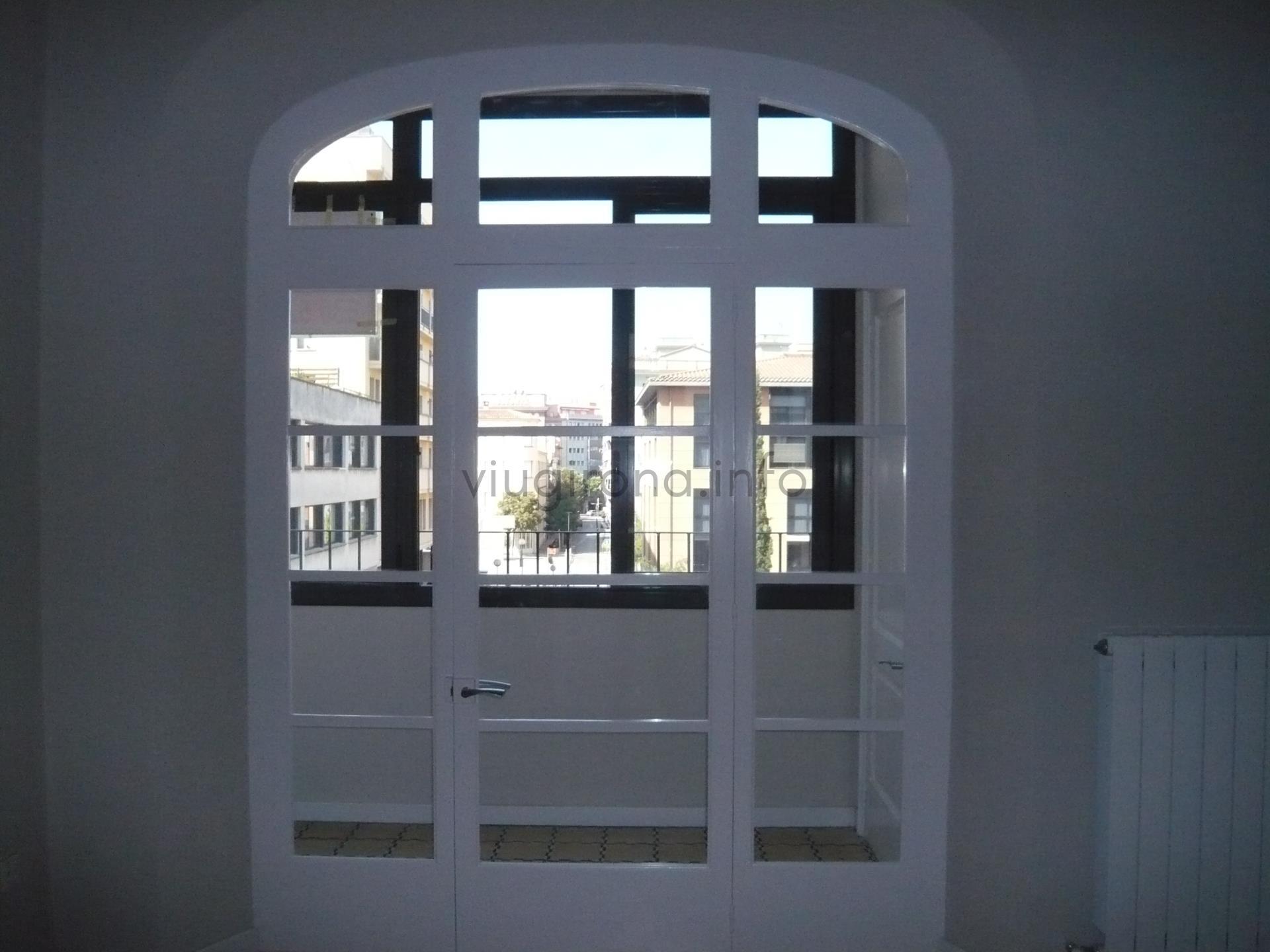 Alquiler Piso  Carrer nou. Piso de 4 habitaciones totalmente reformado y en el centro de gi