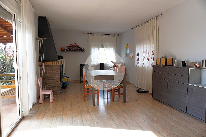 Casa en Caldes de Malavella. Houscat.com te presenta esta este casa / chalet que se encuentra