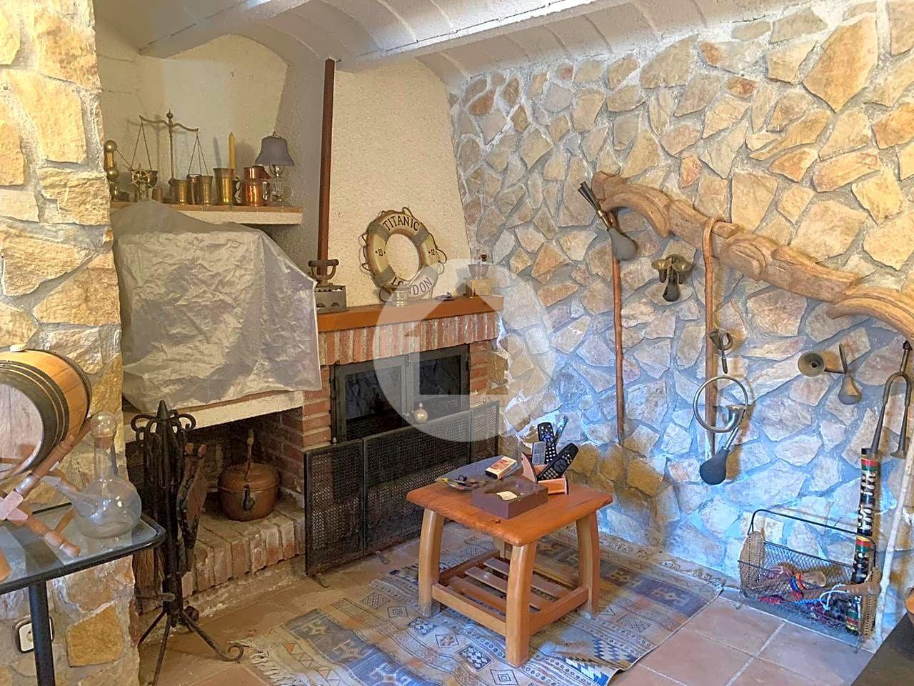 Casa en Caldes de Malavella. Houscat.com te presenta esta casa que se encuentra en can carbon