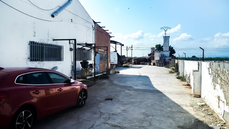 Terrain urbain  Calle de san isidro. Nave industrial con terreno