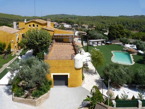 Fincas rústicas de alquiler vacacional con terraza en Barcelona Provincia