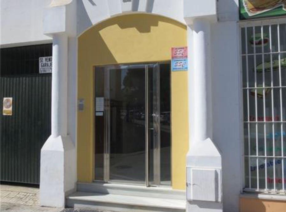 Ufficio  Calle manuel alvarez, 0. ¡oportunidad para comprar tu comercial! situado en calle manuel