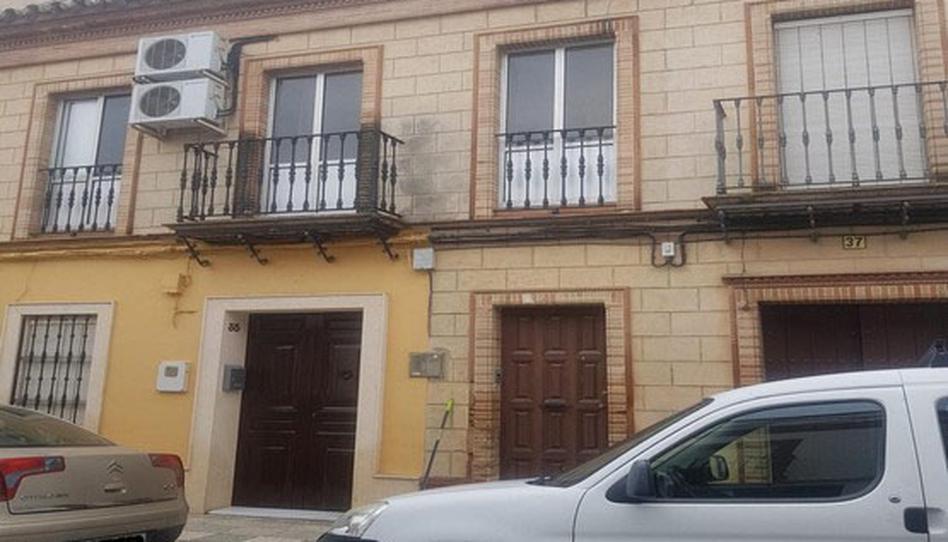 Foto 1 de Piso en venta en Tres de Abril Carrión de los Céspedes, Sevilla