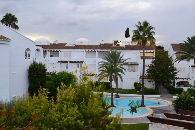 Lloguer Pis en Cala Advocat-Baladrar. Winter let 2 bed penthouse to rent in javea