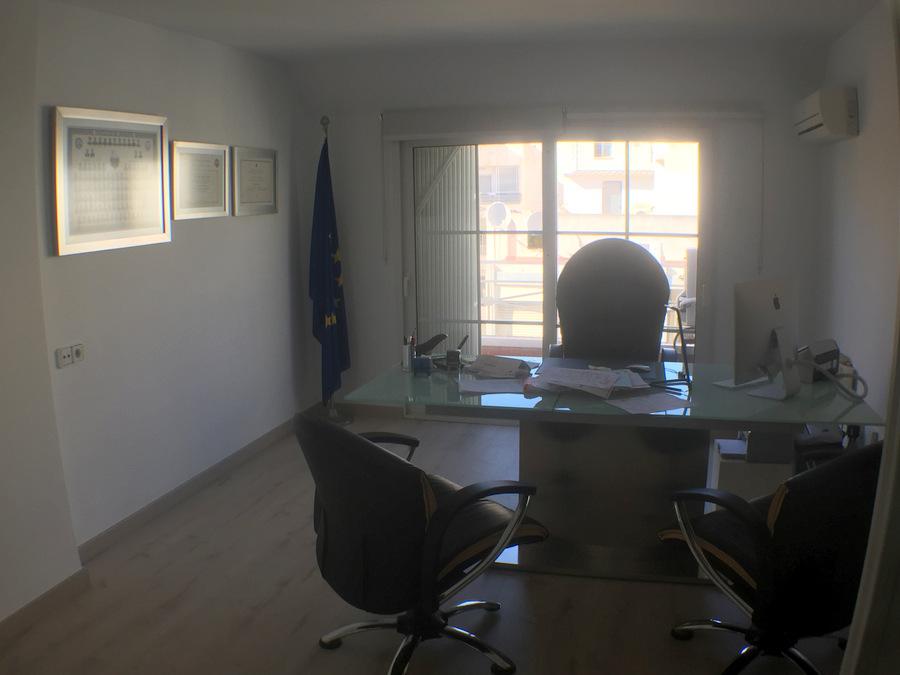 Office space  Calle canónigo torres. Oportunidad de inversion