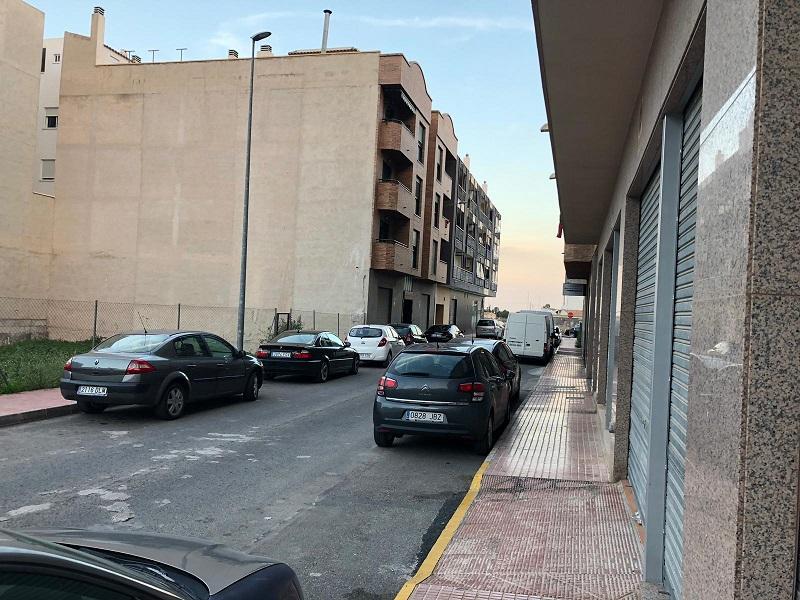 Parking coche  Calle manuel santa cruz aciaga. Amplia plaza de garaje para moto en callosa