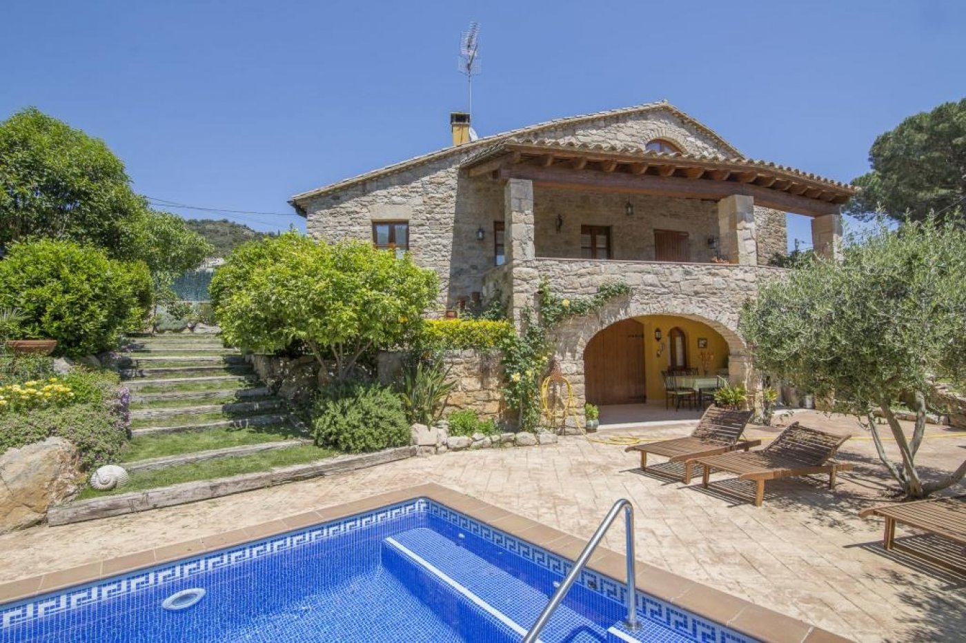 Casa  Girona ,calonge. Casa (unifamiliar aislada): calonge (girona) mas ambrós