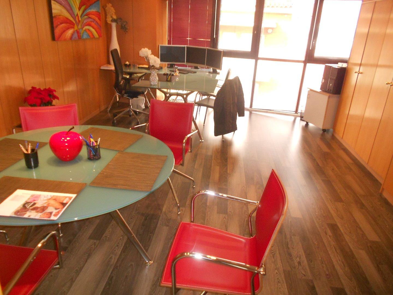Ufficio  Sant boi de llobregat - centre. Ideal para oficinas de empresas o despacho profesional