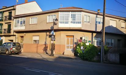 Casa adosada en venta en Avenida Santiago, O Pino