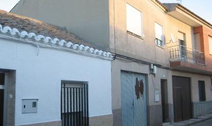 Viviendas y casas en venta en Mora