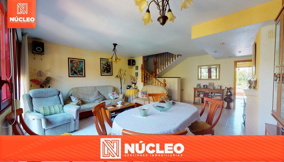 Foto 1 de Casa adosada en venta en Paseo de Maigmona Centro, Alicante