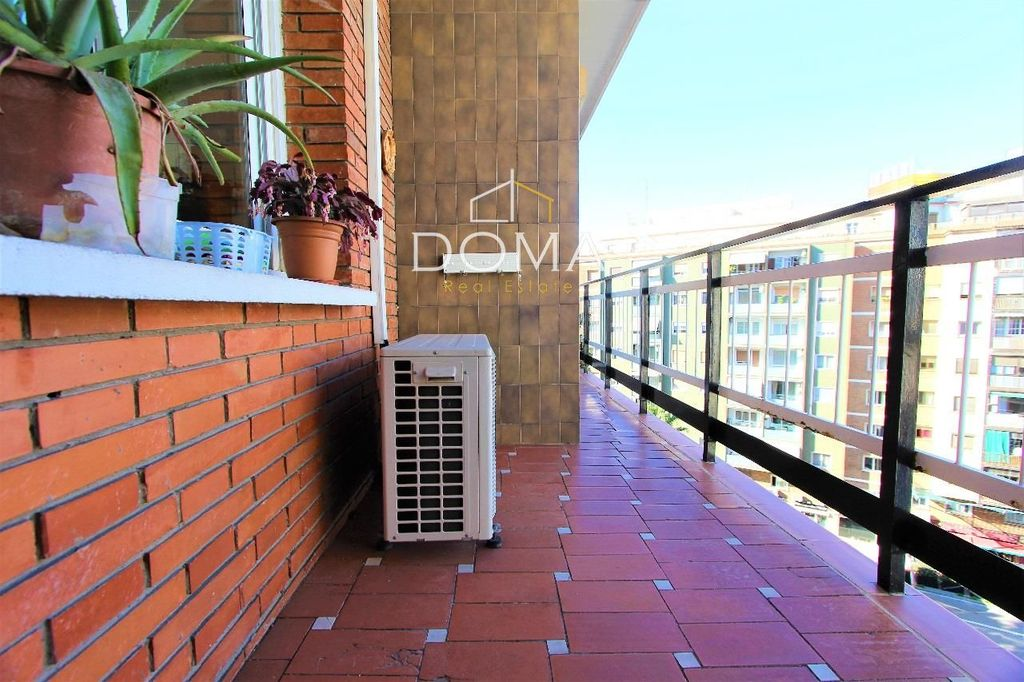 Piso  Calle regent mendieta. Ático en venta en barcelona, con 83 m2, 3 habitaciones y 1 baños