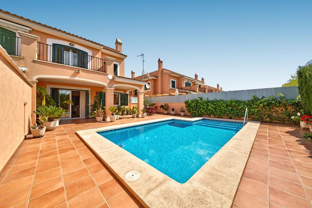 Casa  Son moix. Adosado mediterráneo en son moix en palma de mallorca