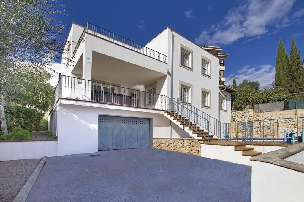 Casa  Génova. Fabulosa y moderna villa con vistas al mar en gènova en mallorca