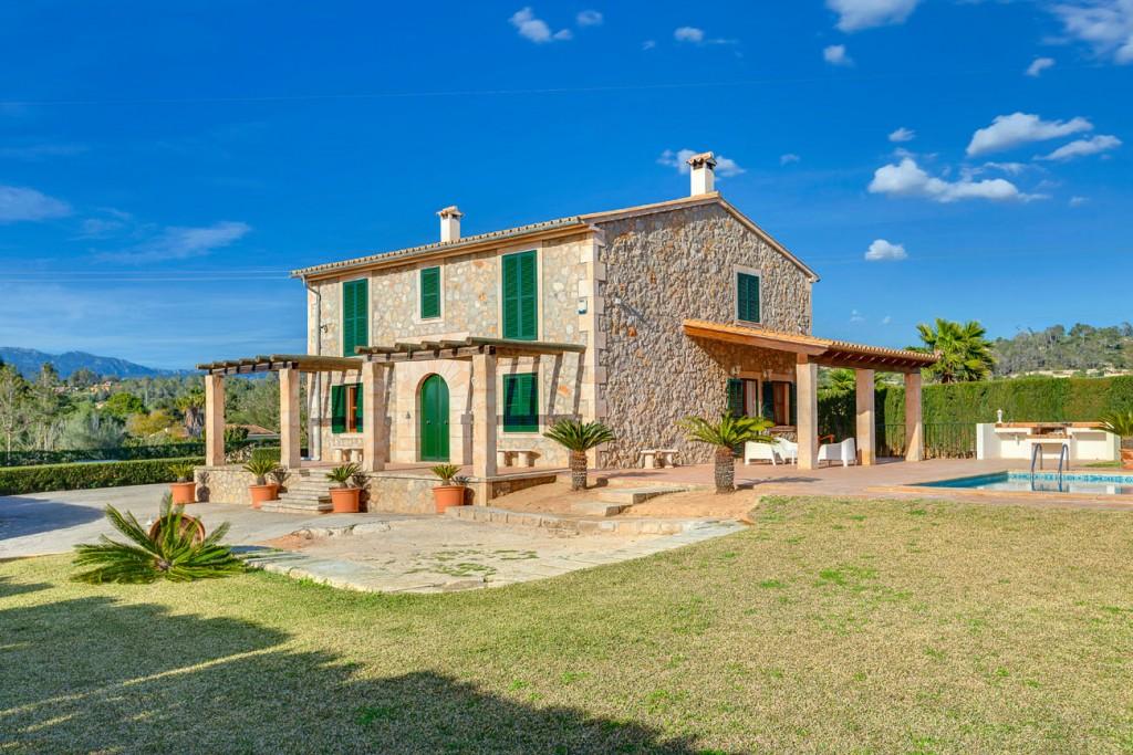 House in Marratxinet. Finca rústica con fachada de piedra en venta en marratxí, mallor