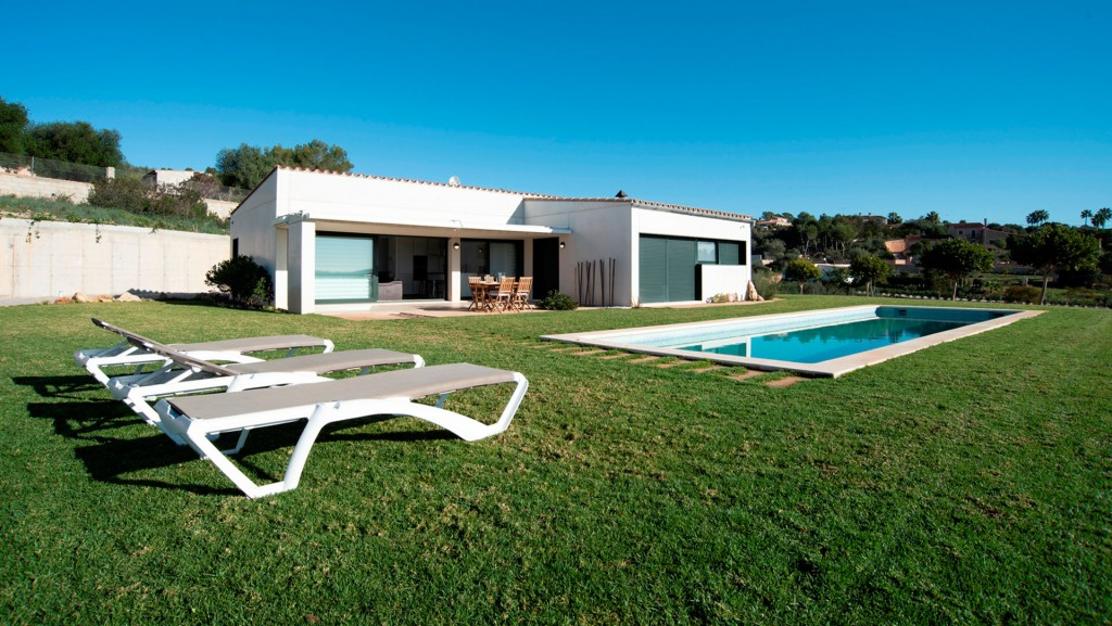 Alquiler Casa  Puntiró. Moderna villa en alquiler en puntiró, con piscina y vistas sobre