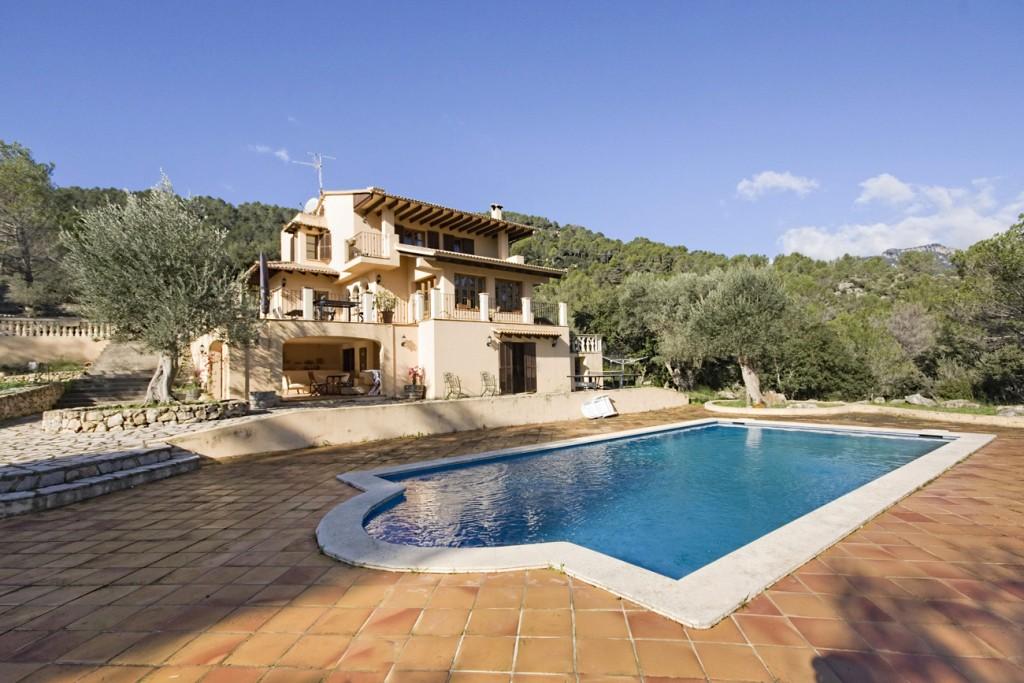Lloguer Casa en Puigpunyent. Villa en venta situada en lo alto de puigpunyent, mallorca