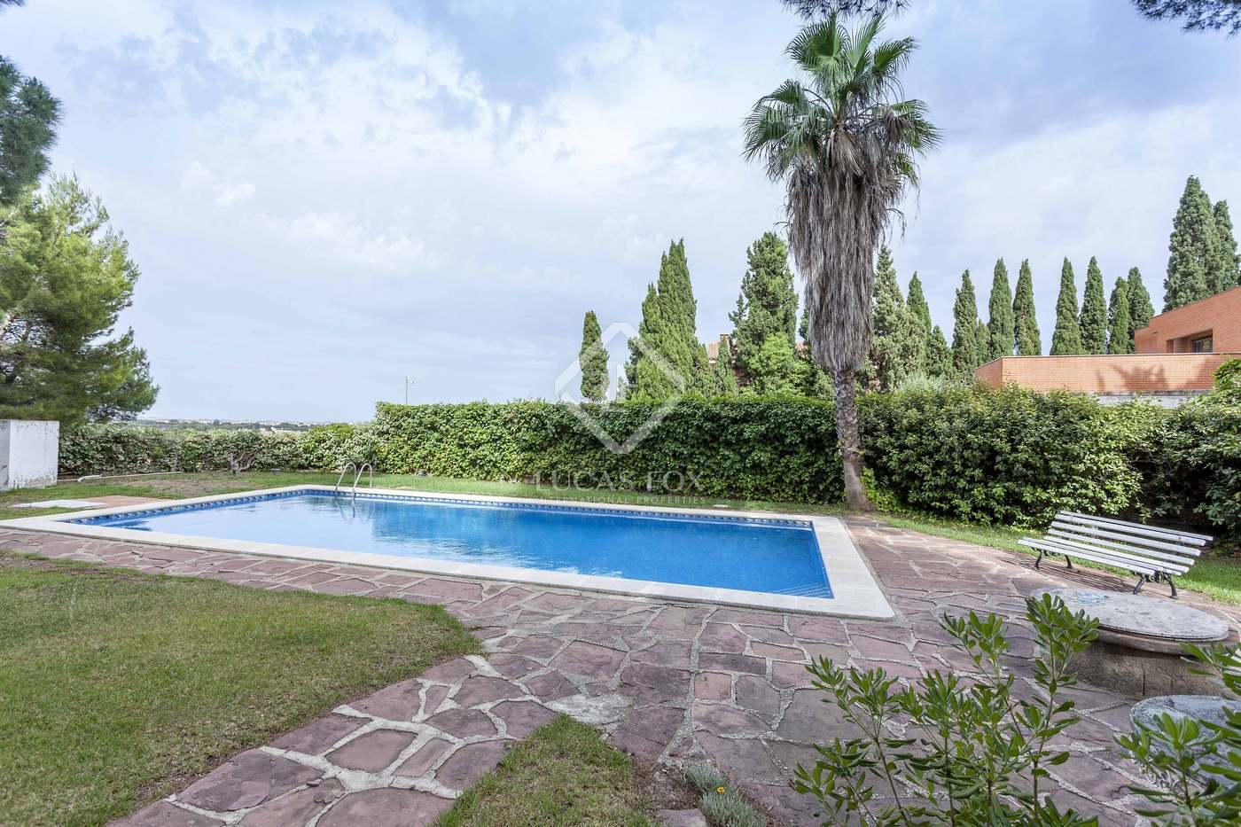 Alquiler Casa en Campolivar. Casa con mobiliario y piscina en alquiler en campolivar, godella