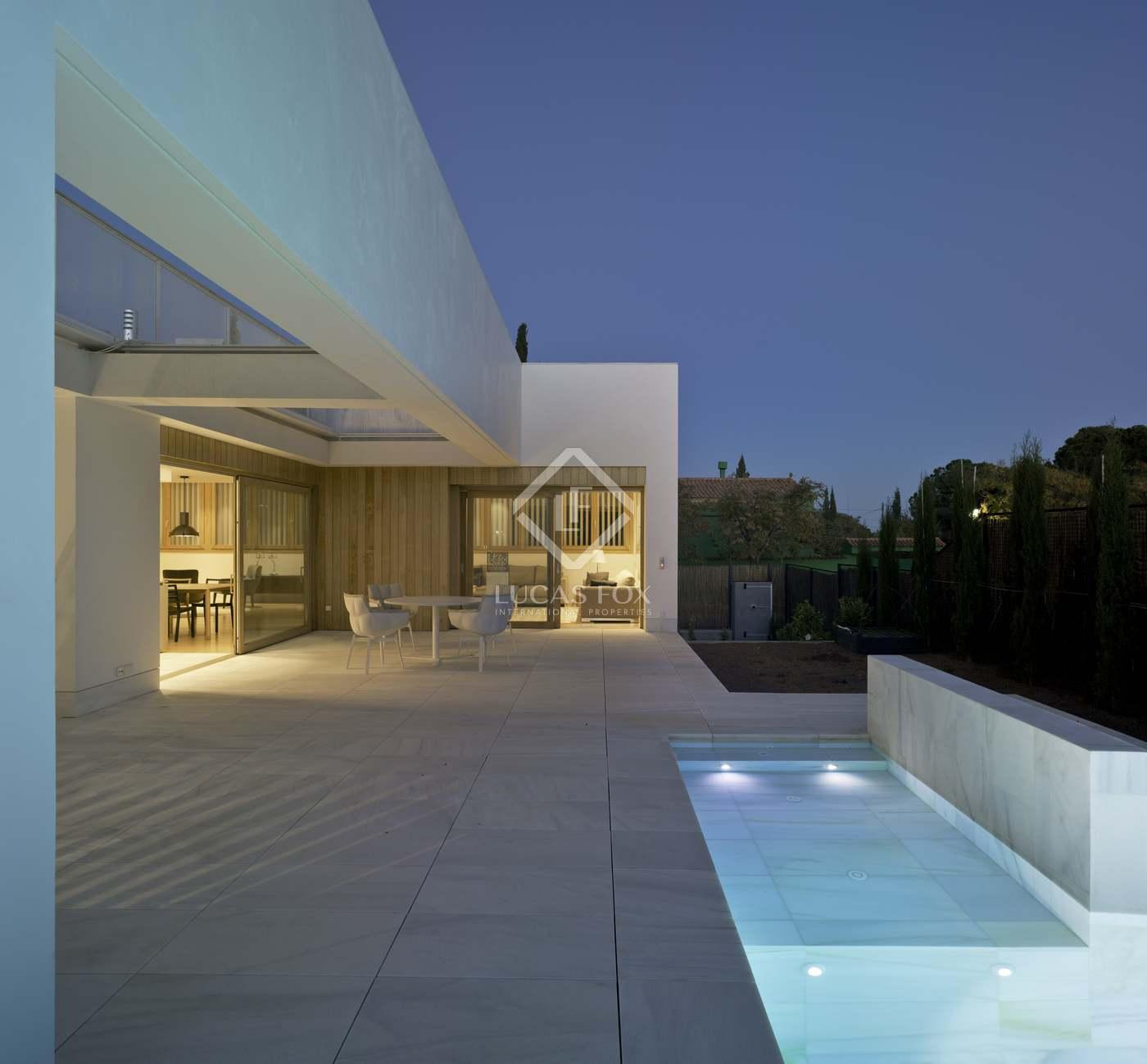 Alquiler Casa en Campolivar. Casa en excelentes condiciones de 5 dormitorios en alquiler en g
