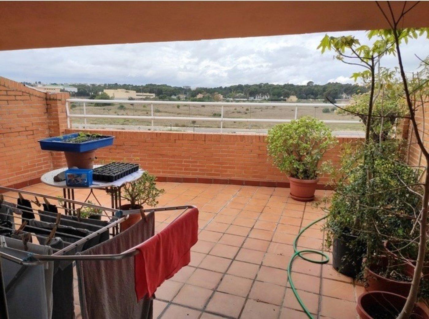 Location Maison  Rocafort ,rocafort. Adosado en alquiler, posibilidad de opción a compra.
