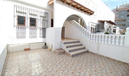 Casas adosadas en venta con ascensor en Alicante Provincia