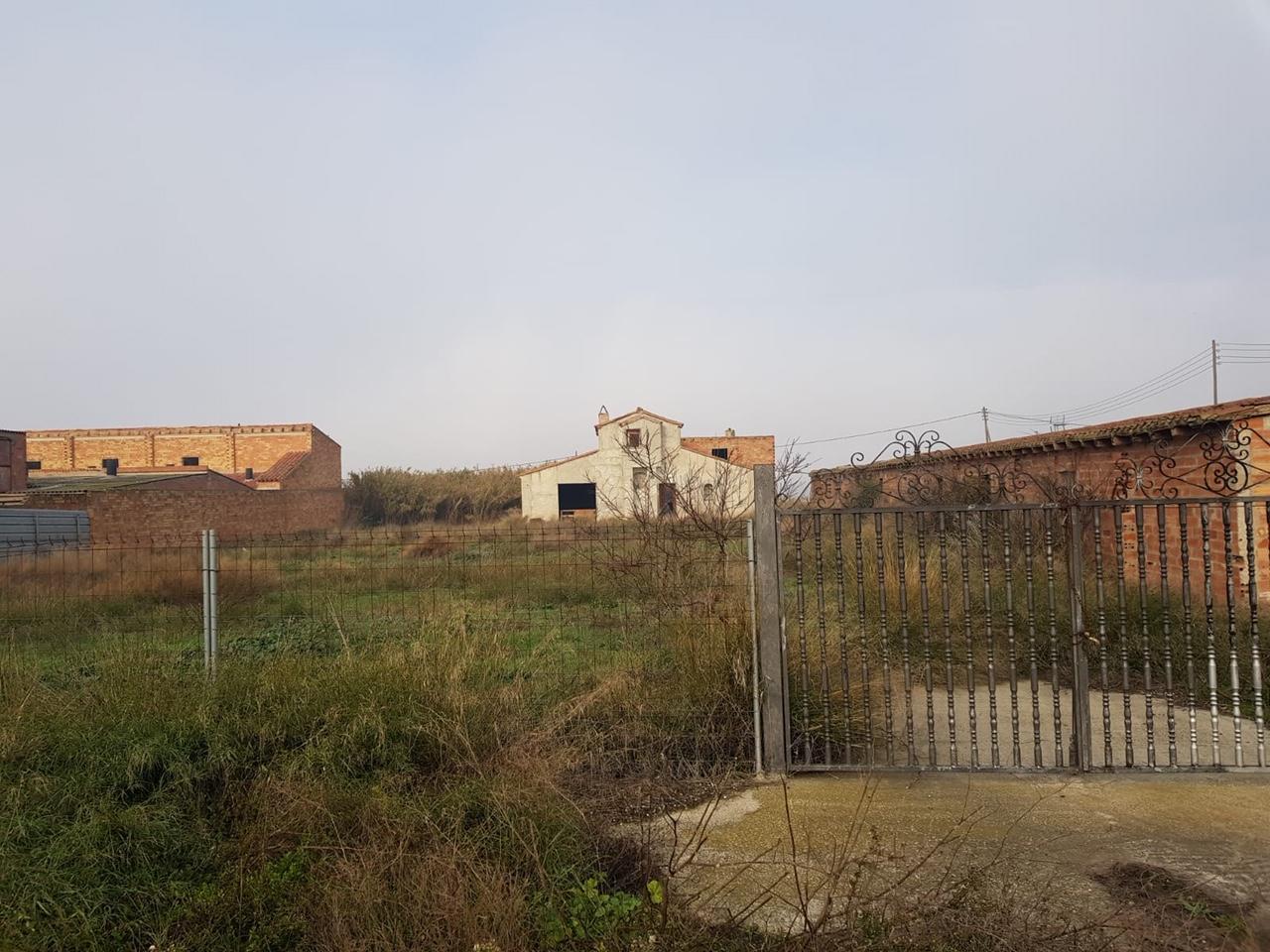 Stadtgrundstück  Torres de segre. Vivienda + granja torres de segre