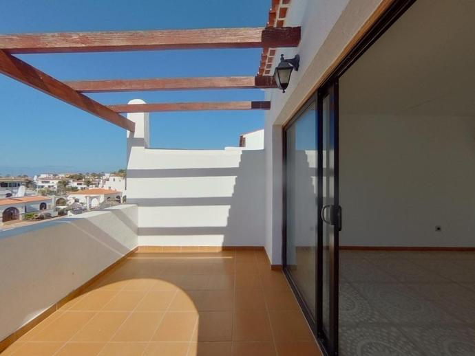 Foto 1 de Apartamento en C/ Tarajal - Complejo Fairways Club - Golf del Sur - Amarilla Golf