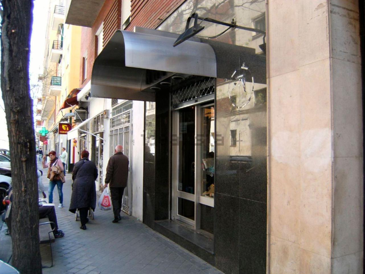 Alquiler Local Comercial  Castellana. Características:  ->se trata de un local diáfano en planta cal