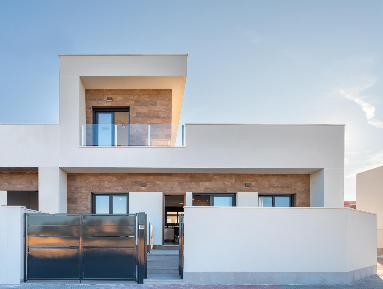 Casa en Formentera del Segura. Lujoso residencial de villas adosadas en el sur de la costa blan