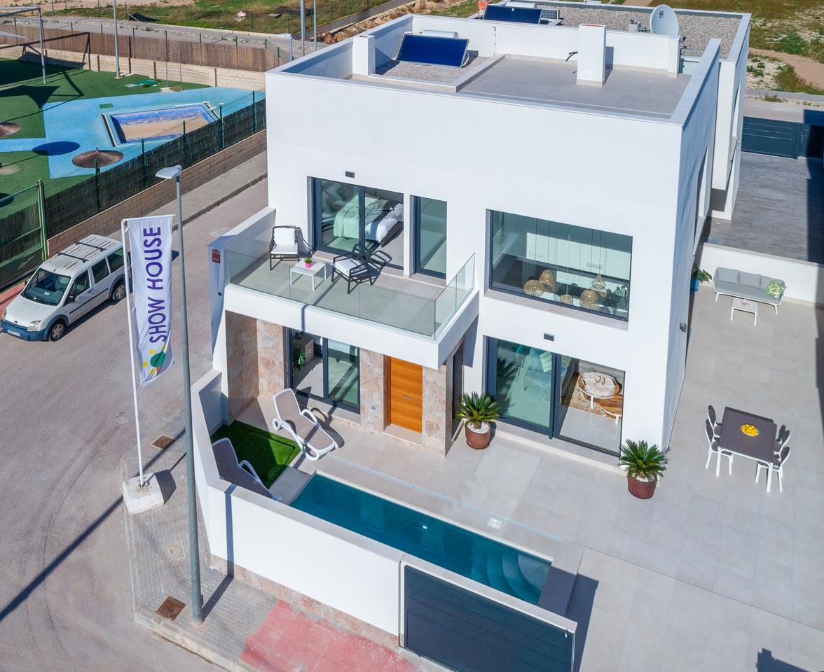 Casa en Formentera del Segura. Exclusivas villas independientes de 3 dormitorios a 10 minutos d