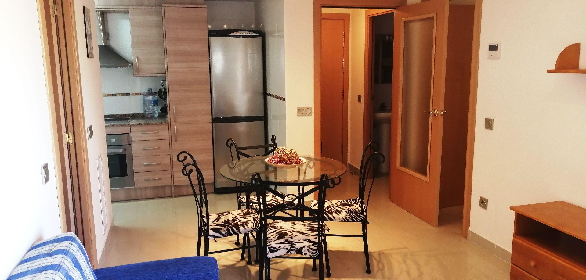 Alquiler Piso  Calle sant miquel. Apartamento de 2 h con piscina comunitaria.