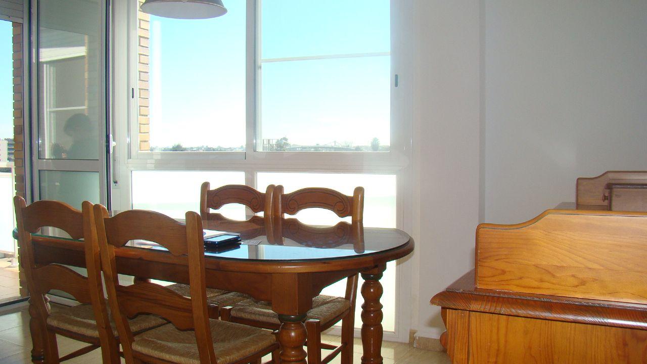 Alquiler Piso  Avenida robert graupera. Apartamento con vistas al rio ebro
