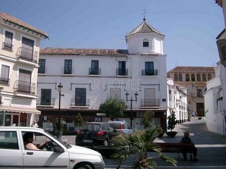 Edificios en venta en Vélez-Málaga