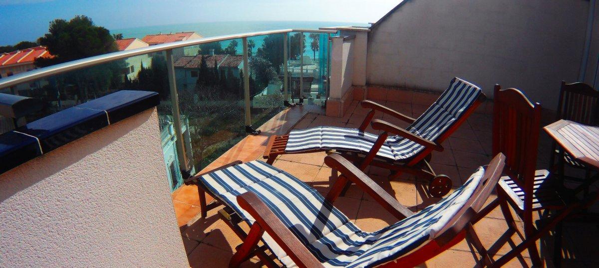 Pis  Alcoceber ,playa. Atico con esplendidas vistas al mar