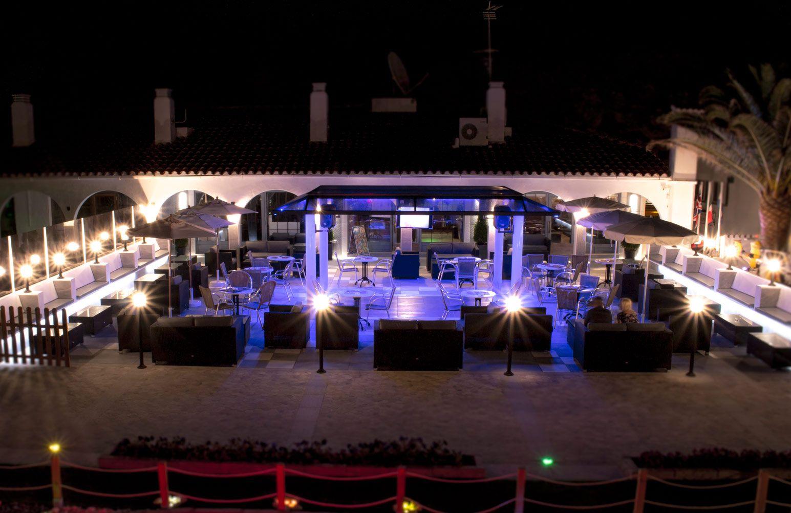 Locale commerciale  Avenida vial del arenal, 2-540. Pub / restaurante reformado en la zona comercial de son parc