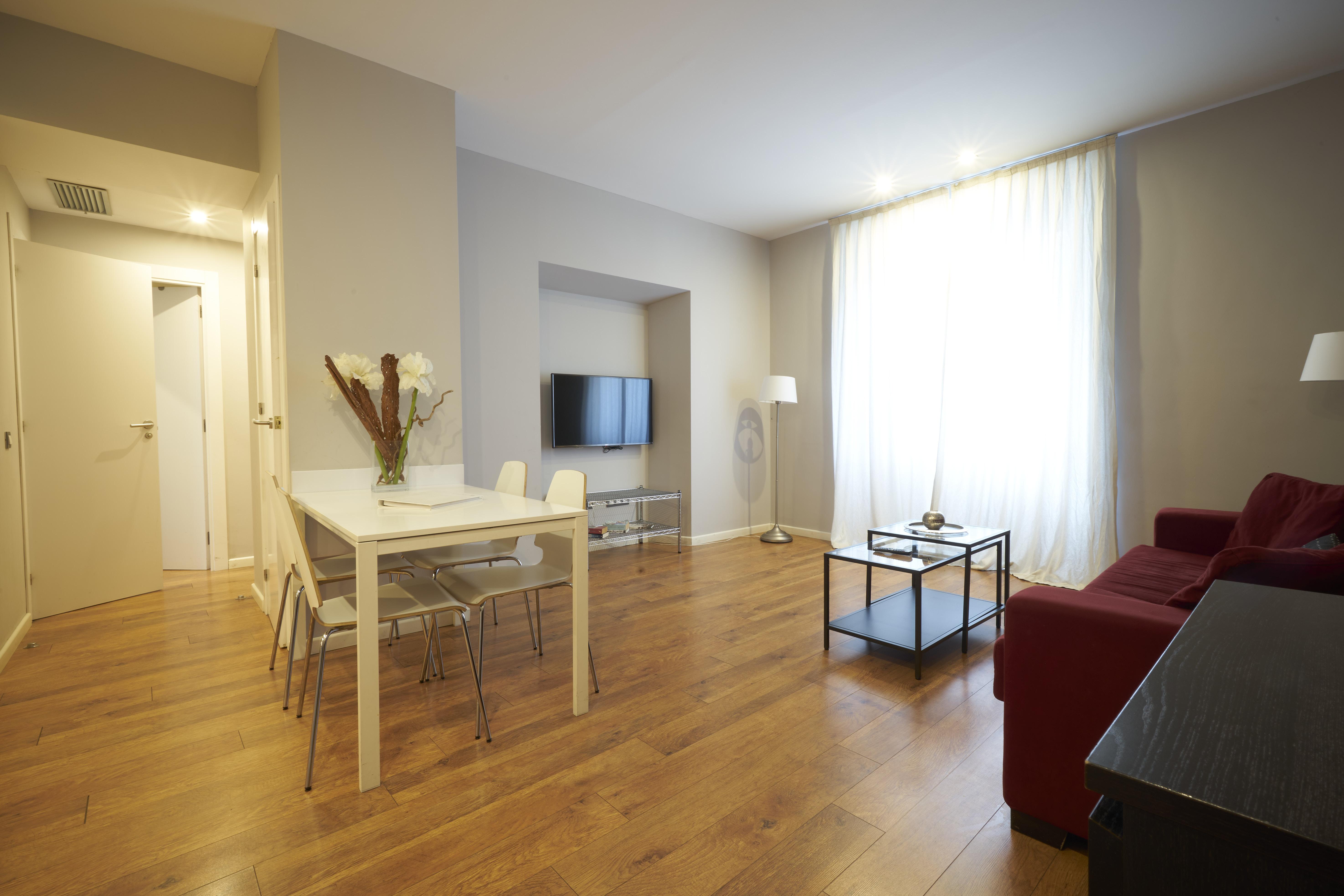 Alquiler de Temporada Piso  Carrer de bonavista. Elegante apartamento de 2 habitaciones a pocos metros del paseo