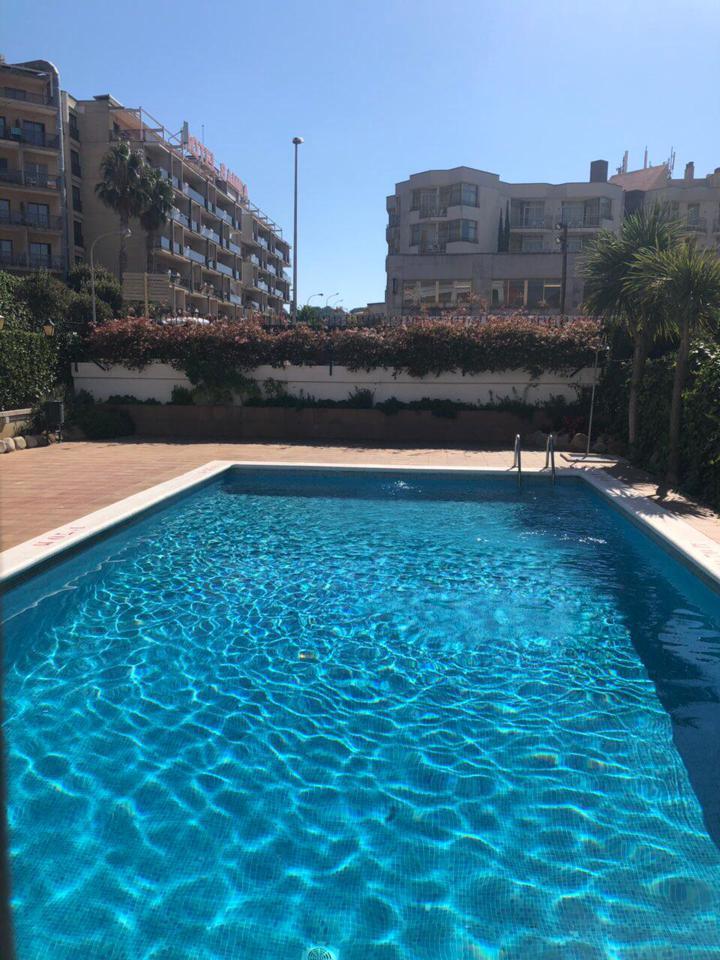 Piso  Calle carrer de francesc cambó. Apartamento muy soleado en venta con licencia turística en fenal