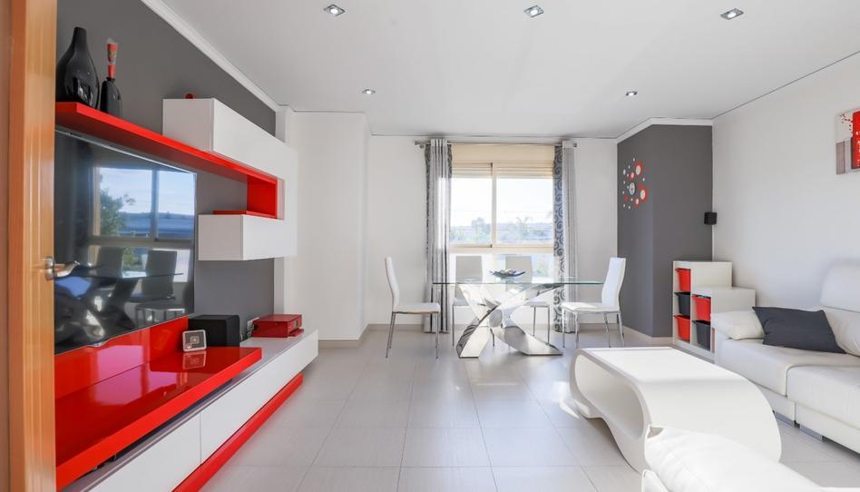 Foto 1 de Casa adosada en venta en Alginet, Valencia