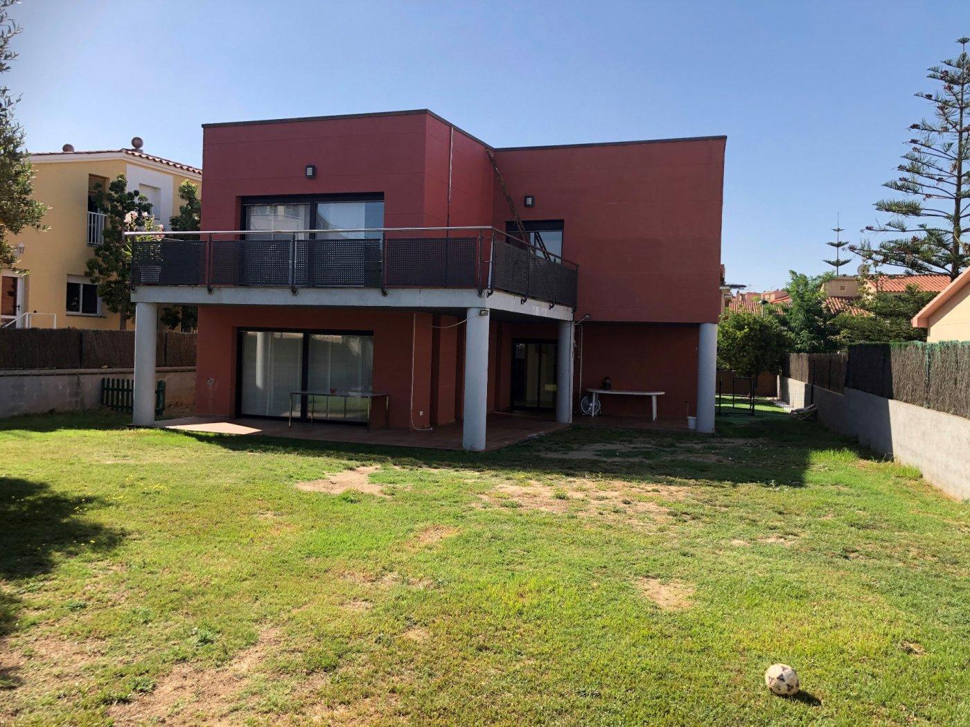 Alquiler Casa  L arboç ,santa lluçia. Casa independiente en alquiler en l'arboç.