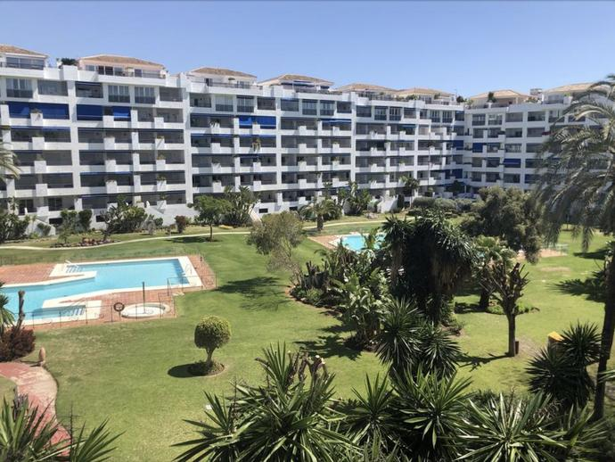 Foto 2 de Apartamento en Avenida del Rotary Internacional Puerto Banús