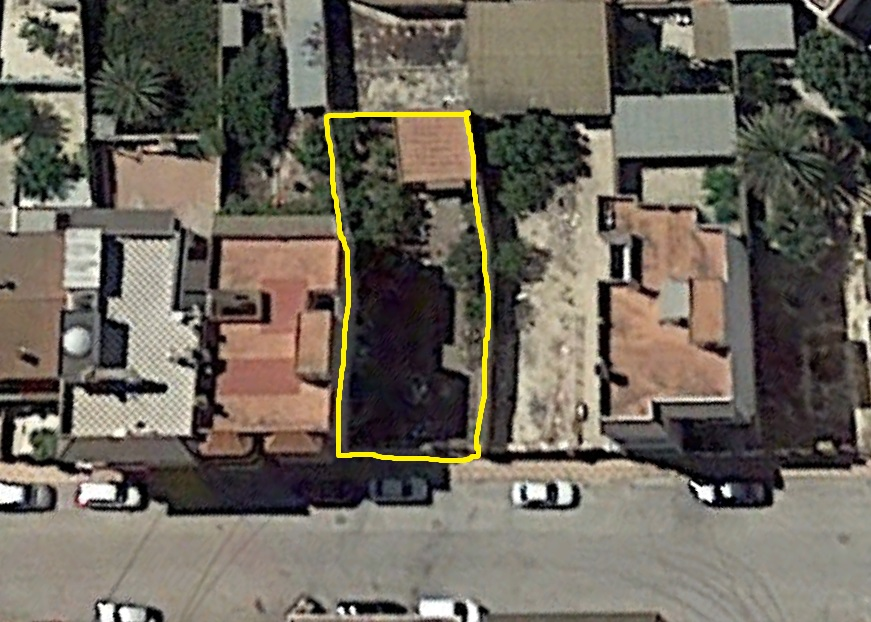 Urban plot in Jacarilla