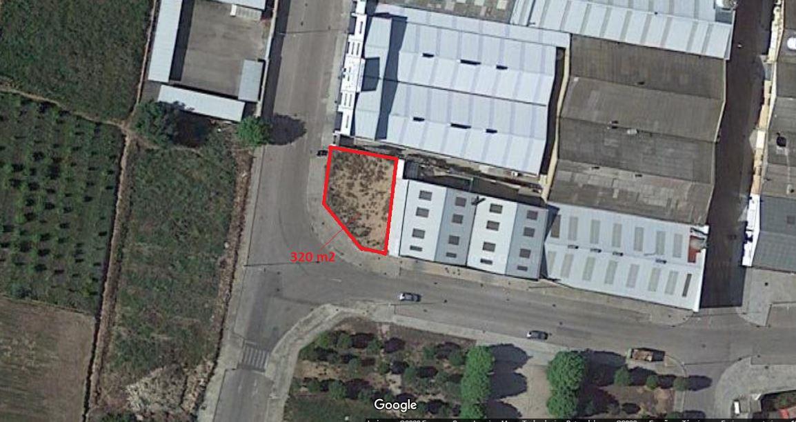 Solar urbano  Calle vent de llebeig. Parcela de suelo industrial  esquinera en el poligono industrial