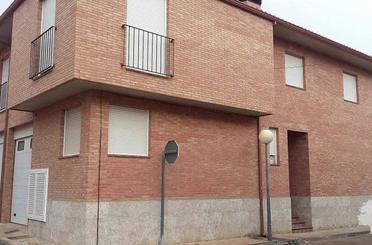 Casa adosada en venta en Mallén