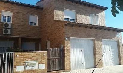 Casa adosada en venta en Lillo