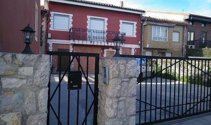Casa adosada en venta en Cueto